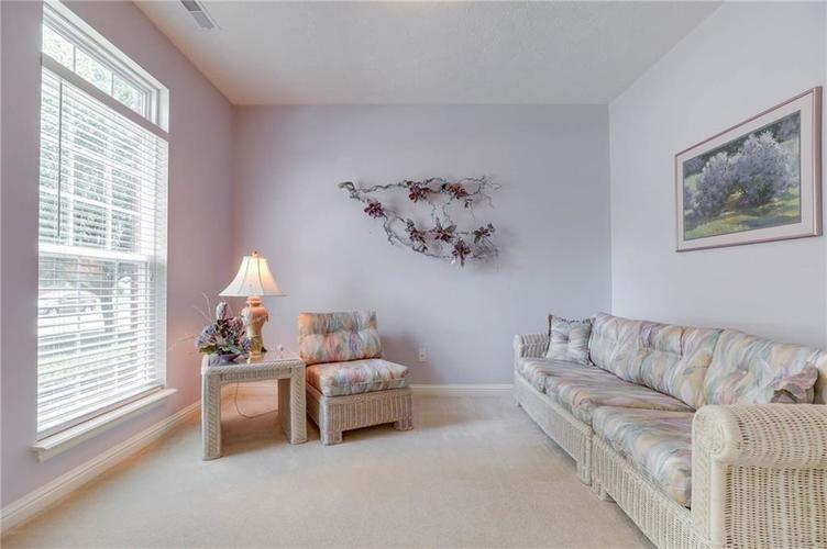 10470 Meadow Lake Dr Fishers, IN 46038 | MLS 21647794 | photo 11