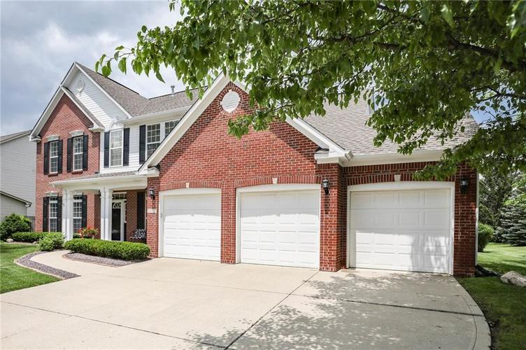 10470 Meadow Lake Dr Fishers, IN 46038 | MLS 21647794 | photo 2