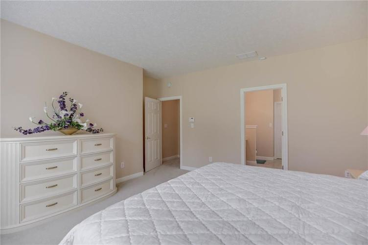 10470 Meadow Lake Dr Fishers, IN 46038 | MLS 21647794 | photo 26