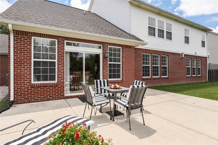 10470 Meadow Lake Dr Fishers, IN 46038 | MLS 21647794 | photo 46