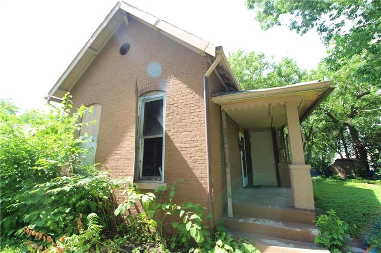 1740 W Miami Street Indianapolis, IN 46222 | MLS 21647861