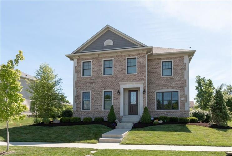 6745 Chapel Crossing Zionsville, IN 46077 | MLS 21647872 | photo 1