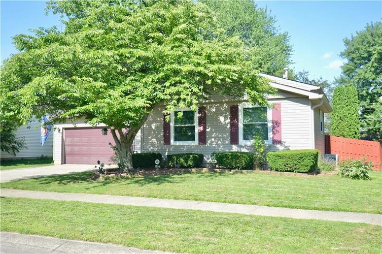 913 E Waring Drive Indianapolis, IN 46229 | MLS 21647879