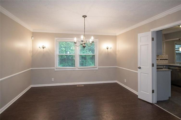 8539 Thornhill Drive Indianapolis, IN 46256 | MLS 21647917 | photo 11