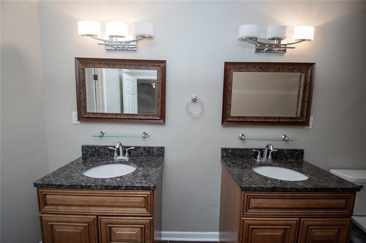 8539 Thornhill Drive Indianapolis, IN 46256 | MLS 21647917 | photo 29