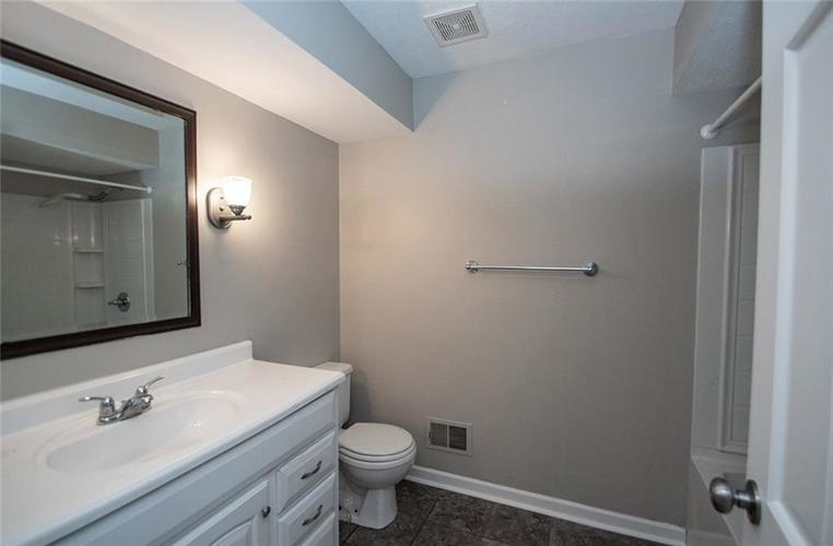 8539 Thornhill Drive Indianapolis, IN 46256 | MLS 21647917 | photo 37