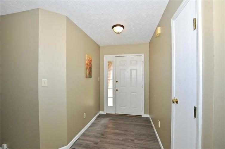 7746 Winding Creek Place Indianapolis, IN 46236 | MLS 21648011 | photo 5