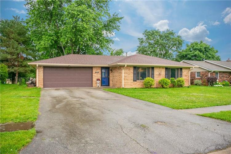 200 Pinedale Drive Whiteland, IN 46184 | MLS 21648020 | photo 1