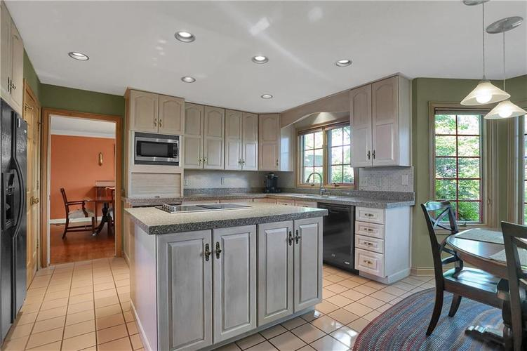 11971 Promontory Court Indianapolis, IN 46236 | MLS 21648024 | photo 12