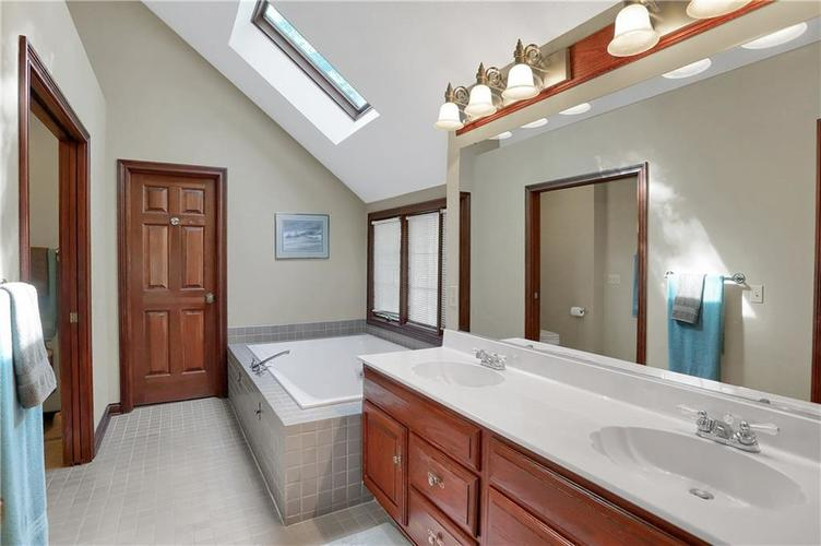 11971 Promontory Court Indianapolis, IN 46236 | MLS 21648024 | photo 27