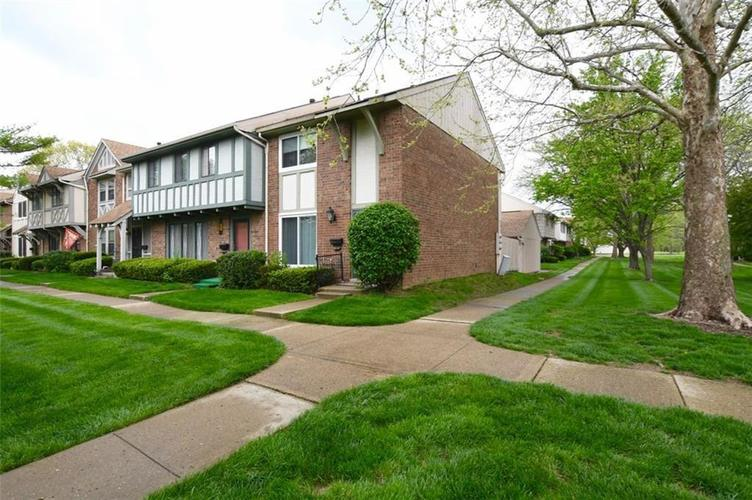 8018 E Cheswick Drive Indianapolis, IN 46219 | MLS 21648052