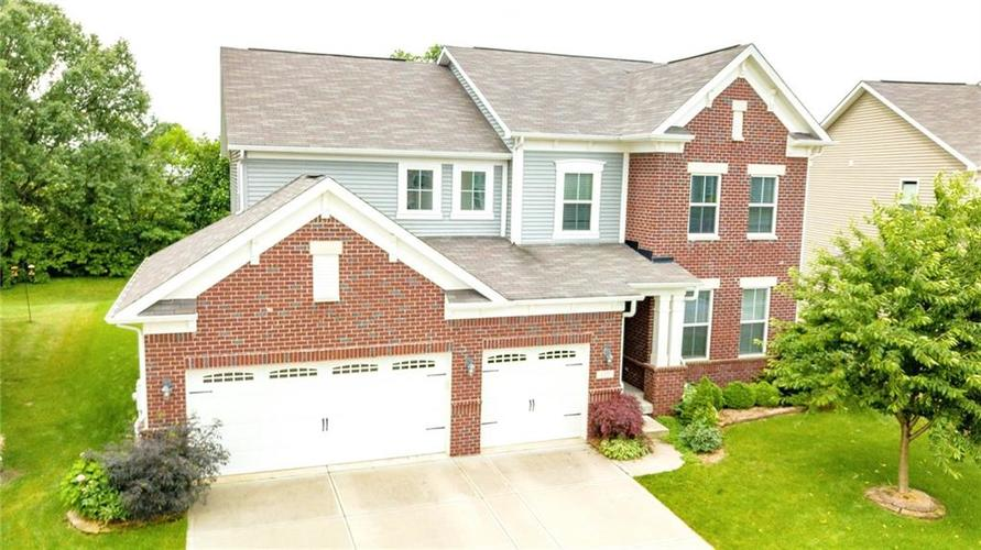 6157 EAGLE LAKE Drive Zionsville, IN 46077 | MLS 21648122 | photo 1
