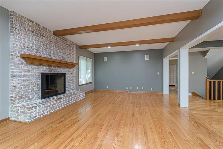 4638 HICKORY Court Zionsville, IN 46077 | MLS 21648271 | photo 16