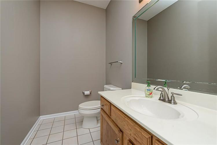4638 HICKORY Court Zionsville, IN 46077 | MLS 21648271 | photo 20