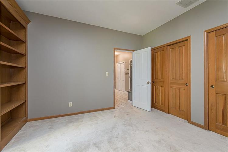 4638 HICKORY Court Zionsville, IN 46077 | MLS 21648271 | photo 22