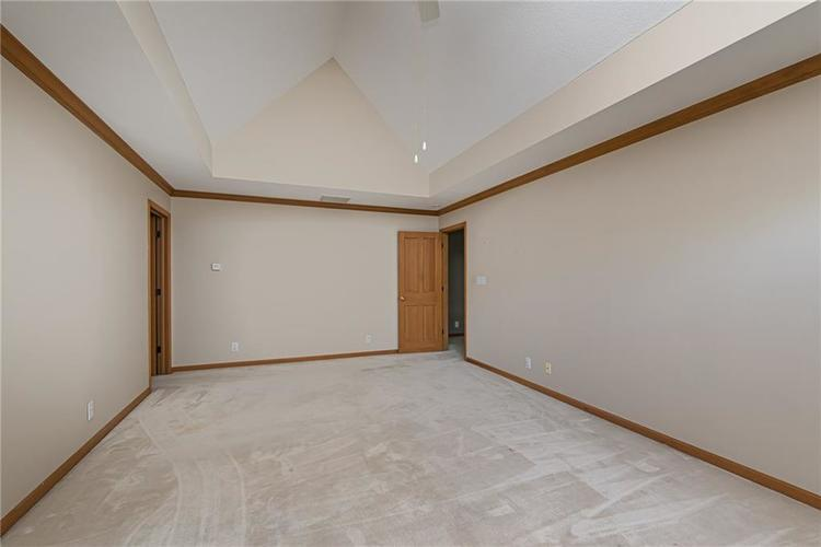 4638 HICKORY Court Zionsville, IN 46077 | MLS 21648271 | photo 25