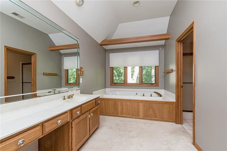 4638 HICKORY Court Zionsville, IN 46077 | MLS 21648271 | photo 27