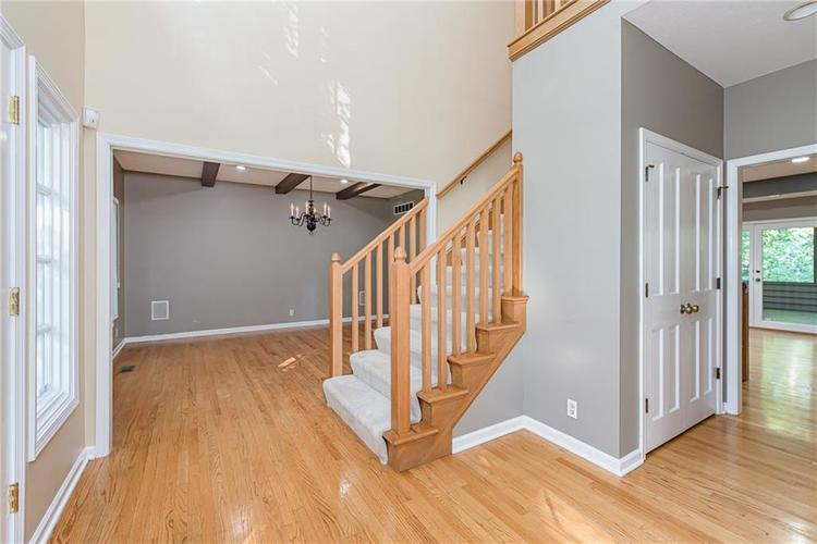 4638 HICKORY Court Zionsville, IN 46077 | MLS 21648271 | photo 4