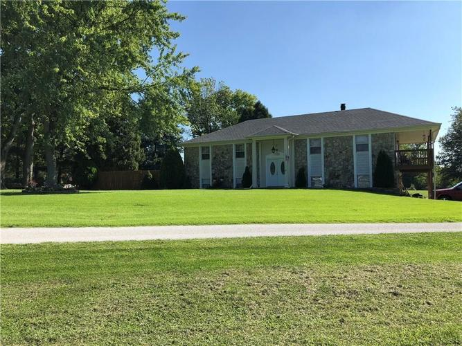 11392 N Division Road Fountaintown, IN 46130 | MLS 21648330