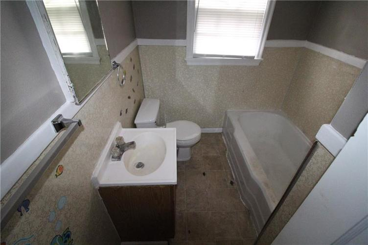 3905 N Tacoma Avenue Indianapolis, IN 46205 | MLS 21649420 | photo 14