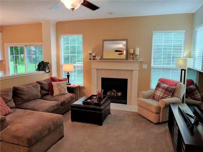12342 GEIST COVE Drive Indianapolis, IN 46236 | MLS 21649484 | photo 13