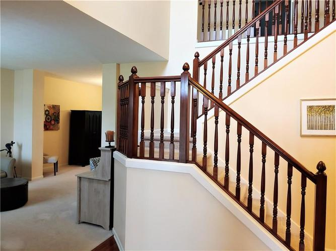 12342 GEIST COVE Drive Indianapolis, IN 46236 | MLS 21649484 | photo 4