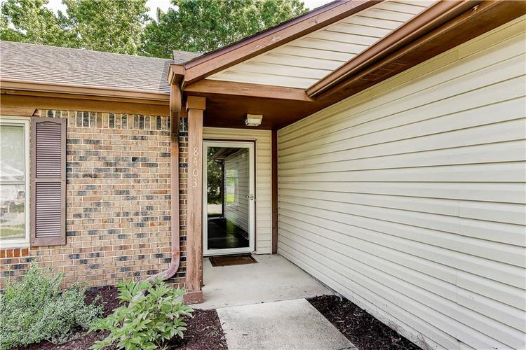 8403 Prairie Drive Indianapolis, IN 46256 | MLS 21649605 | photo 2