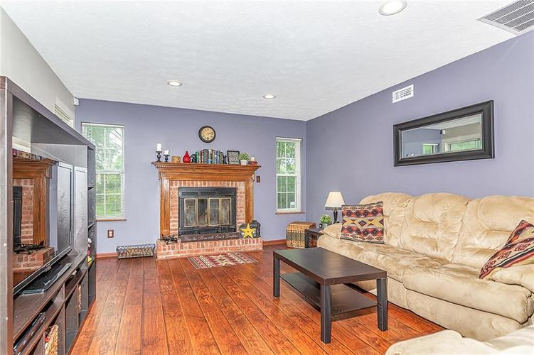 11467 Geist Woods Drive Indianapolis, IN 46236 | MLS 21649824 | photo 4