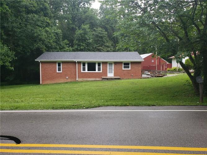 1310 Robb Hill Road Martinsville IN 46151 | MLS 21649825 | photo 1