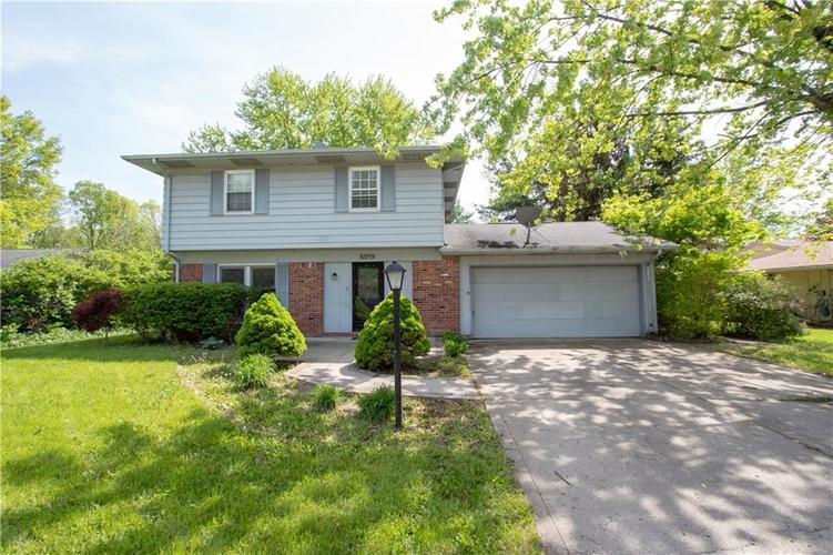 8019 Orchid Lane Indianapolis IN 46219 | MLS 21649872 | photo 1