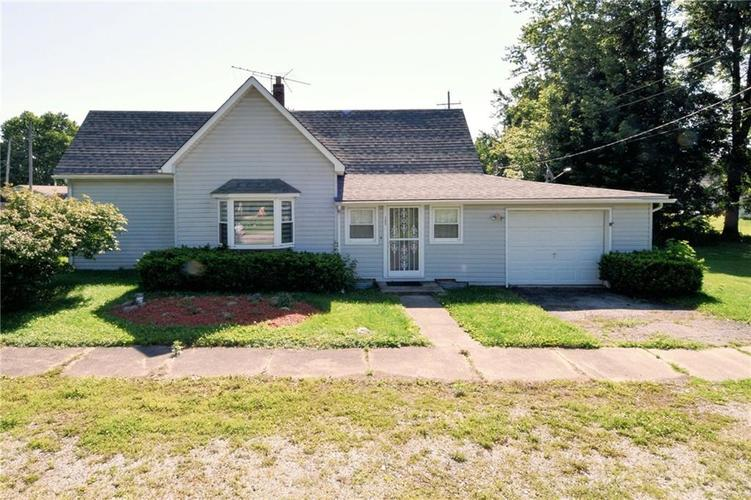 305 N Main Street Kempton, IN 46049 | MLS 21649917 | photo 1