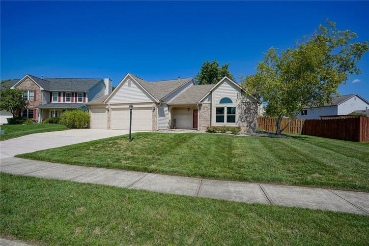 2620 ROLLINGWOOD Circle Westfield, IN 46074 | MLS 21650056 | photo 4