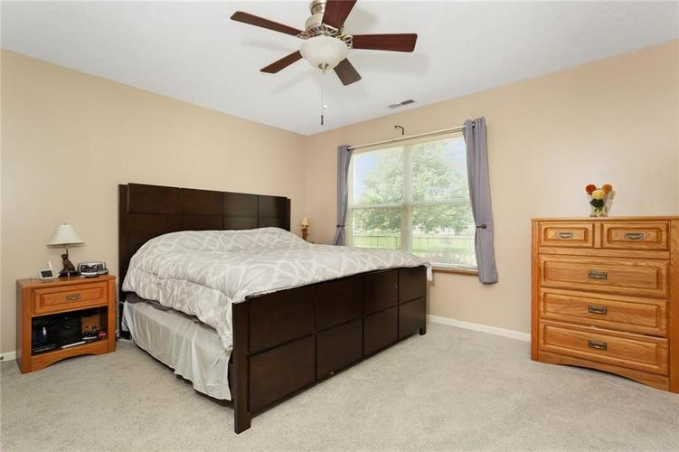 13830 Brightwater Drive Fishers, IN 46038 | MLS 21650163 | photo 12