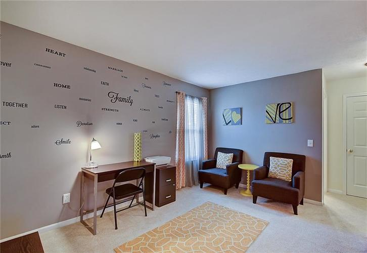 1653 Blackmore Drive Indianapolis, IN 46231 | MLS 21650168 | photo 5