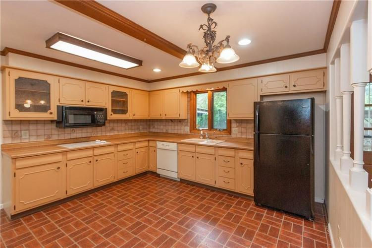 6906 JOHNSON Road Indianapolis, IN 46220 | MLS 21650235 | photo 6