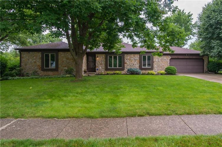 8315  Scarsdale Drive Indianapolis, IN 46256 | MLS 21650308
