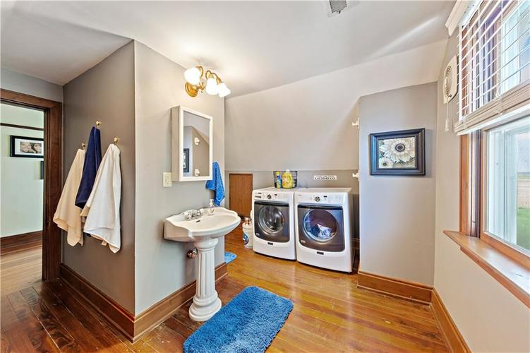 402 Campbell Road Greenwood, IN 46143 | MLS 21650355 | photo 23