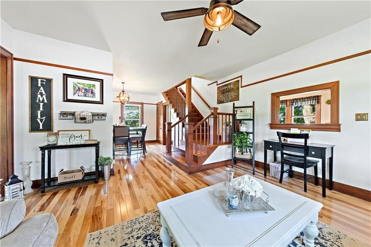 402 Campbell Road Greenwood, IN 46143 | MLS 21650355 | photo 7