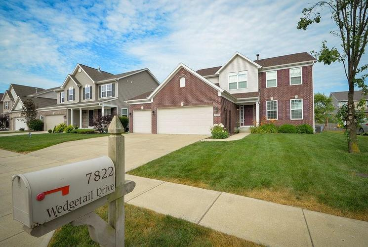 7822 WEDGETAIL Drive Zionsville, IN 46077   MLS 21650369   photo 1