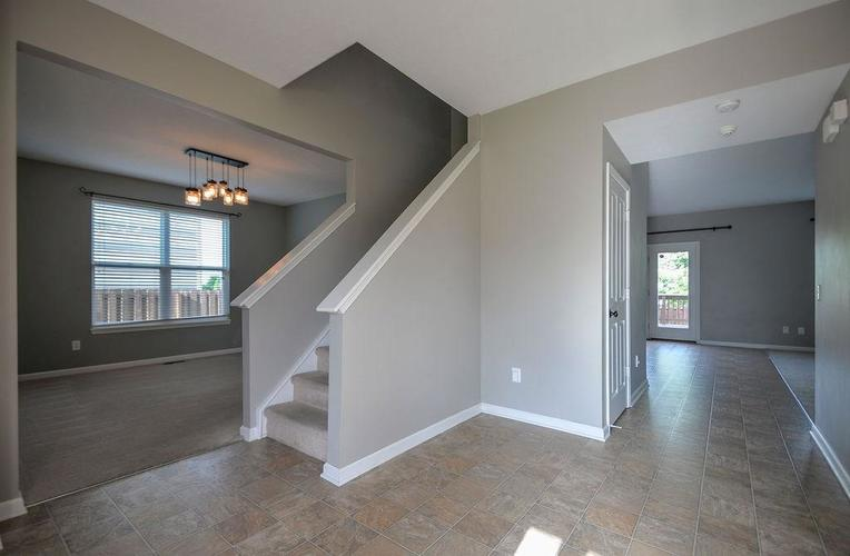 7822 WEDGETAIL Drive Zionsville, IN 46077   MLS 21650369   photo 16