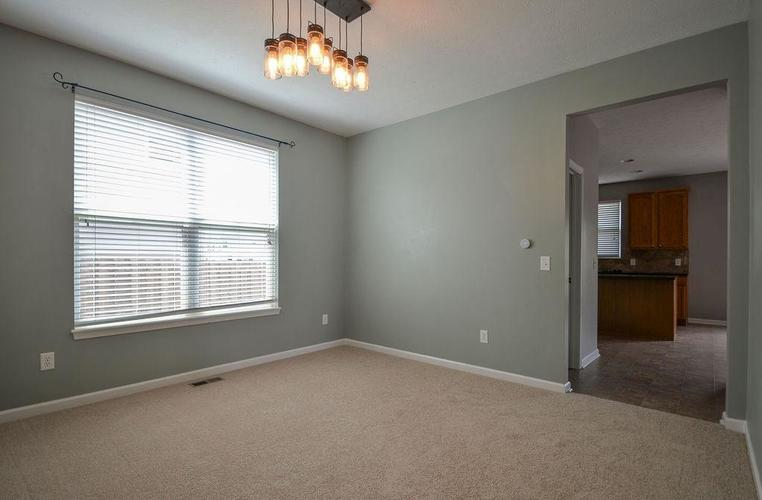 7822 WEDGETAIL Drive Zionsville, IN 46077   MLS 21650369   photo 17