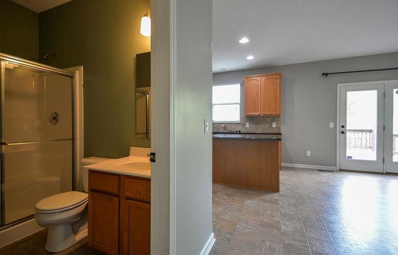 7822 WEDGETAIL Drive Zionsville, IN 46077   MLS 21650369   photo 22