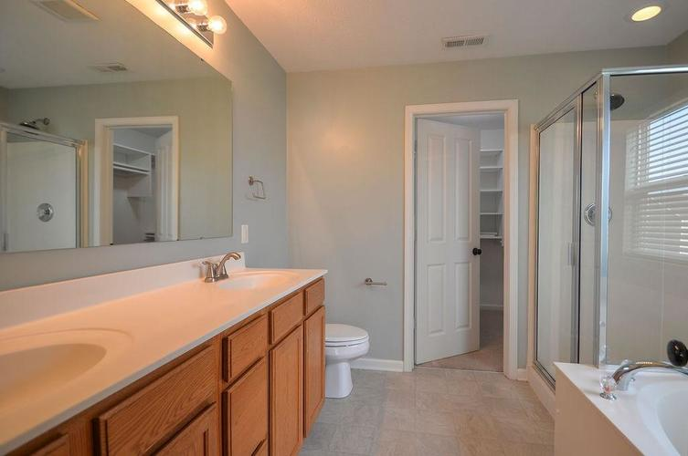 7822 WEDGETAIL Drive Zionsville, IN 46077   MLS 21650369   photo 26