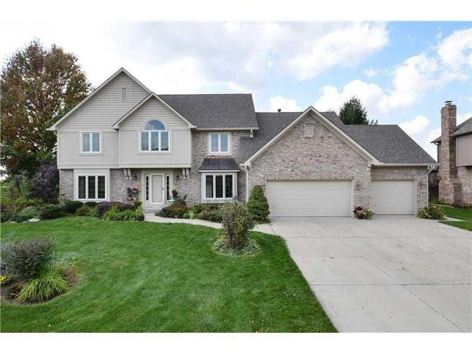 21381 Oakview Drive Noblesville, IN 46062 | MLS 21650444 | photo 1