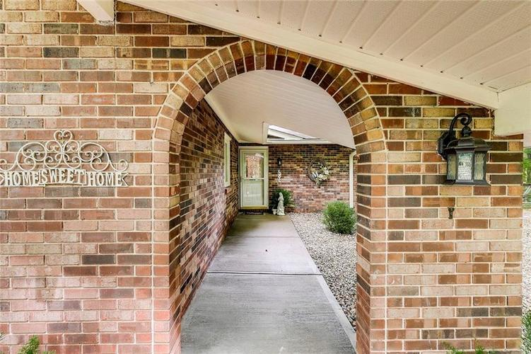 844 Forest Ridge Drive Noblesville, IN 46060 | MLS 21650498 | photo 2