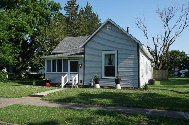 215  Douglas Street Greenfield, IN 46140 | MLS 21650513