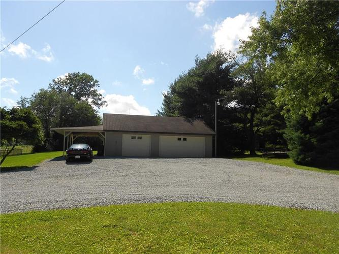 4829 Alexandria Pike Anderson, IN 46012 | MLS 21650569 | photo 2