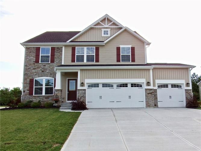 1762  Chateaux Trace Greenwood, IN 46143   MLS 21650607