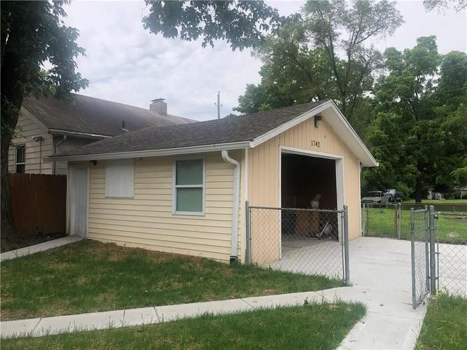 1742 N Parker Avenue Indianapolis, IN 46218 | MLS 21650616 | photo 7