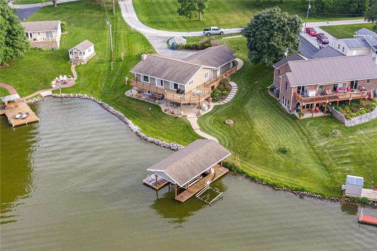 5324 S Holiday Drive Crawfordsville, IN 47933 | MLS 21650624 | photo 2